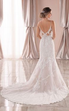 Graphic Lace Mermaid Wedding Dress with Open Back - Stella York Wedding Dresses - Lace Wedding Dresses Western Wedding Dresses, Sexy Wedding Dresses, Designer Wedding Dresses, Bridal Dresses, Wedding Gowns, Wedding Blog, Making A Wedding Dress, Luxury Wedding Dress, Lace Mermaid Wedding Dress