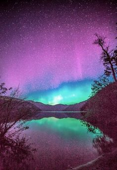 See the Northern Lights - This is so beautiful. I love so much. I want to go there :)