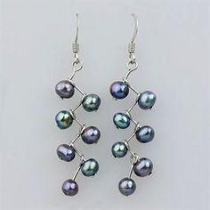 diy pearl jewelry | DIY jewelry / wire and pearl earrings: so super-duper easy! #jewelrydiy #diyjewelry