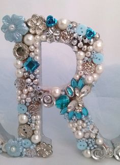 1 million+ Stunning Free Images to Use Anywhere Fancy Letters, Diy Letters, Floral Letters, Vintage Jewelry Crafts, Jewelry Art, Flower Images Hd, Letter Wall Decor, Diy Monogram, Shabby Chic Frames