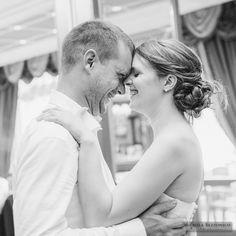 Wedding Reception - First Dance Bride and Groom | #michelarezzonico #weddingphotographer #guastinistyle #weddingplanner #weddingcake