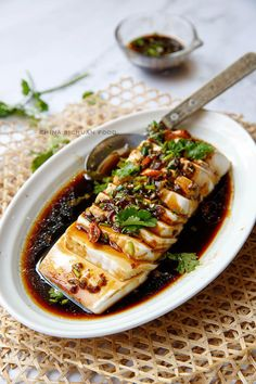 steamed tofu with soy sauce dressing Vegetarian Recipes, Cooking Recipes, Healthy Recipes, Cooking Tips, Silken Tofu Recipes, Tofu Salad, Steam Recipes, Tofu Dishes, Steamed Tofu