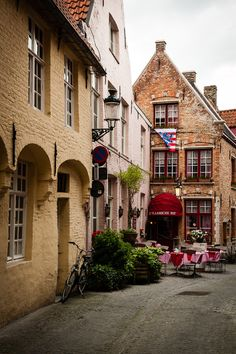 Brugge - Cafes are scattered throughout this city, many selling delicious local chocolates