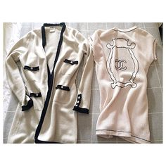 The right one or the left one? Which cardigan to wear? #kisterss #chanelofficial #chanel #happywknd