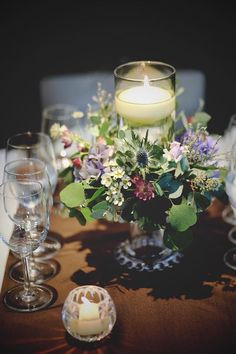 Wedding Table Deco, Wedding Guest Table, Wedding Table Flowers, Floral Wedding, Flower Centerpieces, Table Centerpieces, Flower Decorations, Flower Arrangements, Table Decorations