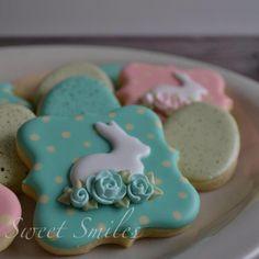 Pretty Easter Bunny      http://www.facebook.com/sweetsmilessaramiles