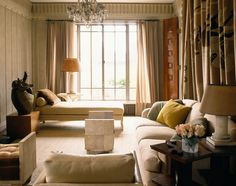 1998 An Ernest Boiceau tapestry hangs on the wall behind the sofa and Jean-Michel Frank shagreen skin stools, daybed and lamps are placed around the room. The bronze sculpture is Jean Arp. Nichols for Architectural Digest Best Interior Design, Home Design, Classic Interior, Design Design, Types Of Crown Molding, Decoration Bedroom, Mediterranean Style Homes, New York, Upholstered Furniture