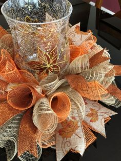 Best Fall & Halloween season home decoration DIY Ideas - Hike n Dip Celebrate the reign of Fall season with the best Fall and Halloween home decor DIY ideas. Take inspiration from the best fall home decor ideas for 2019 Halloween Home Decor, Fall Home Decor, Autumn Home, Fall Halloween, Halloween Season, Halloween Deco Mesh, Fall Deco Mesh, Deco Mesh Wreaths, Fall Wreaths