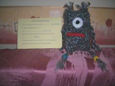 One Eye , wurde ein Geschenk für einen Klassenkamerad , meines Kindes. Mit einer ersten Fassung des Adoptionszertifikat