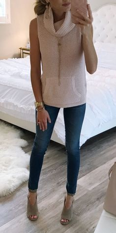 #summer #outfits Sharing This Look Today On My Blog! My Top, Earrings, Jeans And Shoes Are All On Sale! I'm Obsessed With This Top. It's Perfect For Transitions Into Fall. And I Love These Shoes. They Are Really Comfortable!