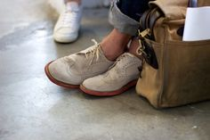 airport essentials: shoe & bag