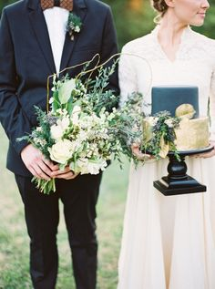 Rustic holiday wedding inspiration: http://www.stylemepretty.com/2015/12/23/black-gold-holiday-wedding-inspiration/ | Photography: Julie Paisley - http://juliepaisleyphotography.com/blog/