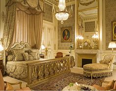 The Imperial Suite At Ritz Hotel Paris This Lovely Bed Is An Exact Copy Of Marie Antoinette S Versailles I Love Luxury Decoration