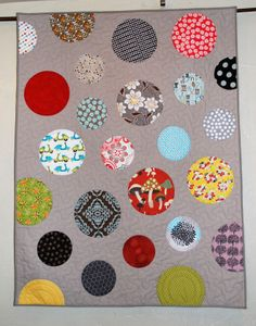 Simply Circles/This blog has lots of great quilts, patterns, free patterns, tips, and projects! Pipersgirls.wordpress.com