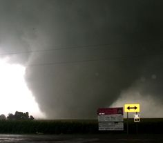 File:Tornado-Leseur-24.jpg - Wikimedia Commons
