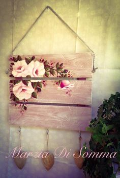 Decoupage Wood, Decoupage Furniture, Decoupage Vintage, Wood Pallet Signs, Diy Wood Signs, Wood Pallets, Wood Crafts, Diy And Crafts, Shabby Chic Christmas Decorations