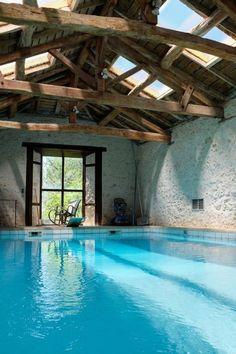 Pool inside a house. - Maria - Pool inside a house. Pool inside a house. Design Hotel, Spa Design, Design Ideas, Indoor Pools, Lap Pools, Pool Spa, Diy Pool, Outdoor Pool, Indoor Outdoor