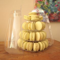 Bioteafull 4-tiers pistachio macarons. Not only healthy, but also practical with its carrying case !
