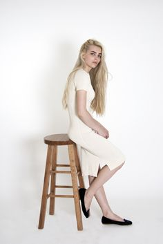 Dress with short sleeves | Vanilla  This #cotton #dress is made from 100% #sustainable cotton threads and lots of #love. With its #minimal #design it can be perfect for a #fashionable smart look or nice #casual outfit. #flawless smart look #ready to wear