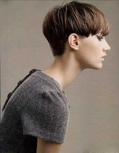 How to be aware of all the present pixie cut trends in time? In this post you will find Pixie Crop Hairstyle that you will adore immediately! The pixie crop Pixie Hairstyles, Short Hairstyles For Women, Cool Hairstyles, Short Wedge Hairstyles, Pixie Haircuts, Hairstyle Ideas, Love Hair, Great Hair, Cute Pixie Cuts