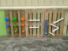 Panell de trasvassaments creat a l'escola! Que divertit! Dilluns juguem ! :-)