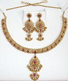 VINTAGE 22k 22kt 22c solid gold filigree beaded ruby necklace