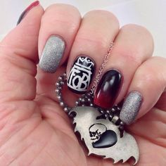 Lace & Lacquers Fall Out Boy nails! Emo Nail Art, Cute Nail Art, Cute Nails, Easy Nail Polish Designs, Best Nail Art Designs, Nail Patterns, Pattern Nails, Hair And Nails, My Nails