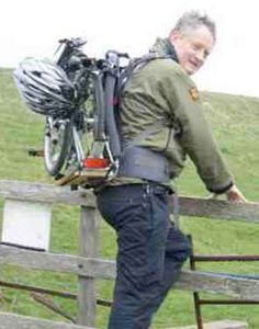 Brompton Back-Pack  (I should find a way to carry easily my folded bike on the stairs.. maybe a simple carrying sling?)