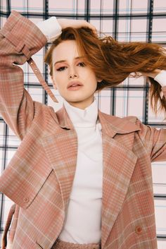 Beauty And Fashion Cheryl Blossom Riverdale, Riverdale Cheryl, Riverdale Cast, Riverdale Netflix, Riverdale Archie, Madelaine Petsch, Celebrity Look, Celebrity Crush, Beauty And Fashion