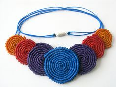 Collar de Circulos de Macrame by Freckles_, via Flickr