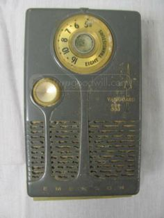 Emerson Vanguard 888 Transistor Radio