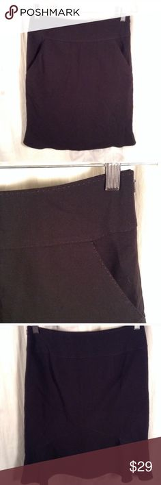 MAX STUDIO BLACK MINI SEMI FLARE SKIRT EUC, no issues. Has pockets Max Studio Skirts Mini