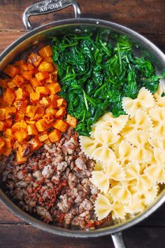 Creamy Butternut Squash Pasta with Sausage and Spinach Roasted Potato Recipes, Pork Recipes, Pasta Recipes, Spicy Sausage, Sausage Pasta, Butternut Squash Pasta, Squash Salad, Fresco, Pasta Dinners