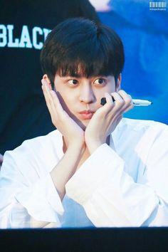 iKON fan sign event in Sinchon Chanwoo Ikon, Kim Hanbin, Fandom, Mix And Match Ikon, Bobby, Koo Jun Hoe, Jay Song, Ikon Debut, Ikon Kpop
