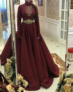 Stunning Dresses, Elegant Dresses, Pretty Dresses, Beautiful Outfits, Modest Fashion, Fashion Dresses, Dress Outfits, Dress Up, Evening Dresses