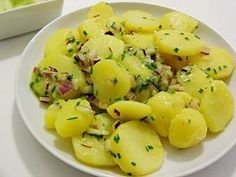 Austrian Style Potato Salad - A Pinch of Ant Snacks Für Party, Party Drinks, Party Party, Healthy Desserts, Healthy Recipes, Dessert Blog, Healthy Alternatives, Salad Recipes, Party Recipes
