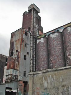 Run down factories along the Canal de Lachine, Montreal. Quebec Montreal, Montreal Ville, Abandoned Castles, Abandoned Places, Derelict Buildings, Abandoned Factory, No Mans Land, City People, Belle Villa