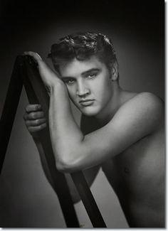 Elvis Presley: Foto por William Speer: Elvis estaba en casa de vacaciones en…