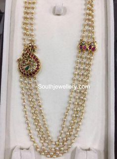 bridal sets & bridesmaid jewelry sets – a complete bridal look Pearl Necklace Designs, Pearl Necklace Set, Pearl Jewelry, Indian Jewelry, Pendant Jewelry, Bridal Jewelry, Beaded Jewelry, Gold Pendant, Bold Necklace