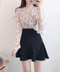 ⭐️Korean Fashion|Cherry Blossom Blouse w/ Black Skirt⭐️ ☁️@oliwiasierotnik☁️
