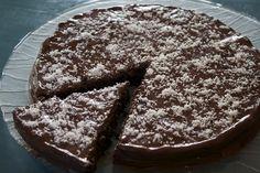 Tort de ciocolata low carb - reteta pentru un tort de ciocolata delicios, si care nu ingrasa, pe stilul dietei dr. Laslau.