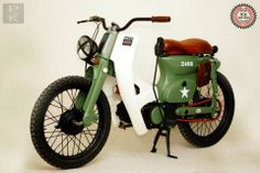 """Not a massive cub fan, but this is amazing!  HONDA CUB """"The Bomber"""""""