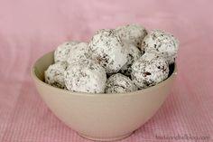 No Bake Oatmeal Cookie Balls | www.tasteandtellblog.com