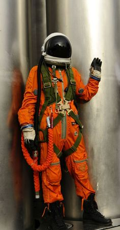 Space suits for rent Drawing Reference Poses, Art Reference, Nasa, Character Art, Character Design, Character Concept, Astronaut Suit, Space Fashion, Space Race