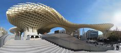 Jürgen Mayer-Hermann se Metropol Parasol in Sevilla, Spanje Modern Architecture Design, Spanish Architecture, Parasol, L'architecture Espagnole, Wooden Buildings, Modern Architects, Seville Spain, Ireland Homes, Amazing Buildings