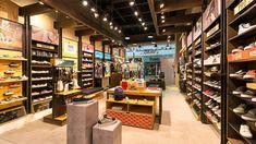 Tienda de VANS en la ciudad de bogotá - Centro comercial CentroMayor - KdF Arquitectura - Retail - local comercial Vans Store, Liquor Cabinet, Retail, Storage, Furniture, Home Decor, Women, Shop, Shopping Center