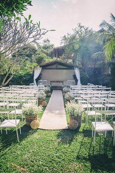 Sou Marry, faço parte da equipe do Casar é um Barato. Em junho/16 tive meu lindo casamento rústico ao ar livre, todo planejado por mim. Saiba tudo!