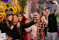 Ricky Martin hizo de las suyas en Despierta América Primer Impacto El Gordo y la Flaca  #EnElBrasero  http://ift.tt/2lF5gf6  #despiertaamérica #elgordoylaflaca #primerimpacto #rickymartin