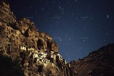 phuktal gompa (image by Tanguy Gilson)