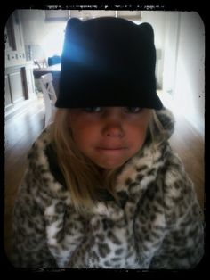 Cat in the hat! <3